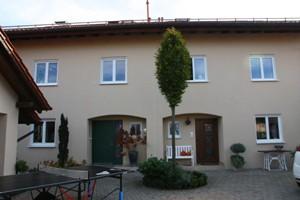 Doppelhaus mit Garagen 3
